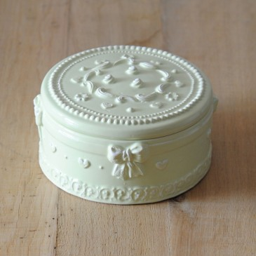 Virginia Casa Wedding Cake Box, groß in Pistaziengrün