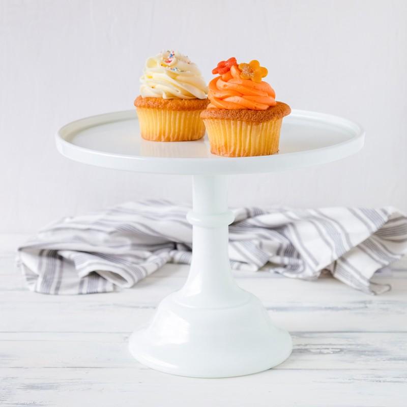 baker cake stand tortenplatte mit fu in wei von mosser glass cake stands bei home of cake. Black Bedroom Furniture Sets. Home Design Ideas